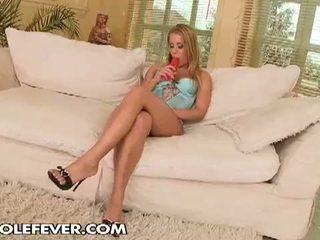 Pakaļu fever: krāšņa blondīne skaistule gets two milzīgs dzimumloceklis