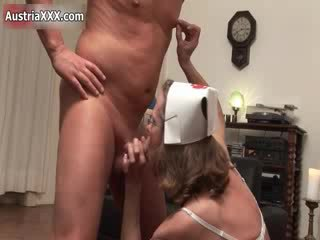 Nasty mature woman goes insane jerking