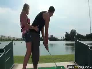 Golfs zaķis jāšanās