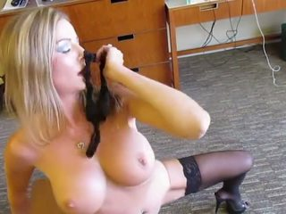 Amber Michaels and Nikita von James Finger each other.