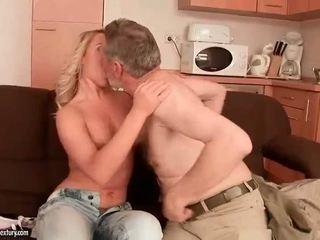 ישן men vs נוער בנות