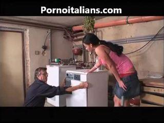 Tiếng ý khiêu dâm video - idraulico scopa casalinga troia tiếng ý tiếng ý tiếng ý