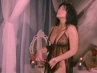Klasszikus pornósztárok: jeanna finom
