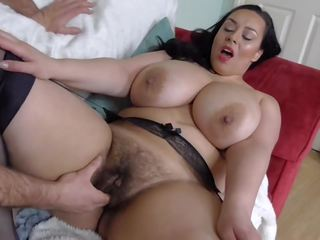 Harig rondborstig brits milf takes groot blank lul: gratis porno fa