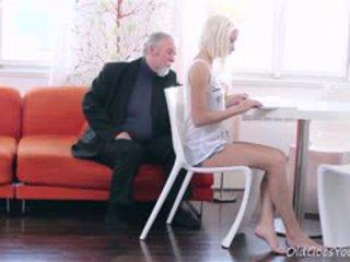 мінет, старий + молодий, блондинка