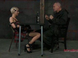 Mežonīga torturing par seksuālā vergs