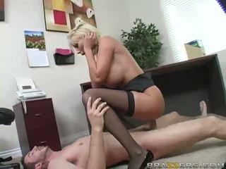Blondin gets fittor körd hård