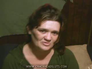 Crackhead φρικιό πόρνη strips