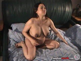 Zwanger rondborstig aziatisch fingers meat curtain groot lip poesje