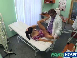 Καυτά adela gets doctors μεγάλος καβλί therapy