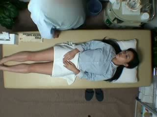 Spycam reluctant kone seduced av masseur