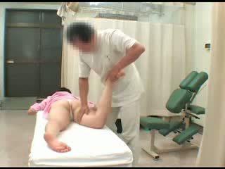 Voyeur aziatisch babe naakt breast pijpen masturbation spion massage orgasme seks