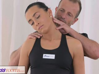 Fitnessrooms Gym Bunny Fucks Her Personal Fitness.