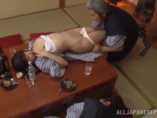 Sleaze arisa has ji japonská med pot shaged podle zralý guy