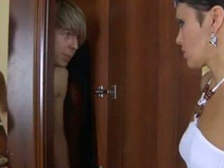 حار الروسية ناضج gets مارس الجنس بواسطة لها boytoy: حر الاباحية 98