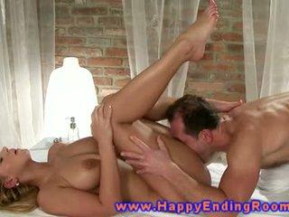 Models erotic massaž from masseuse for her künti