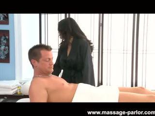 Jessica bangcock massages ein schwer schwanz
