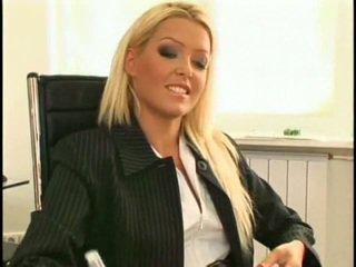 Super seksuālā un skaistas jauns lesbiete sekretāre