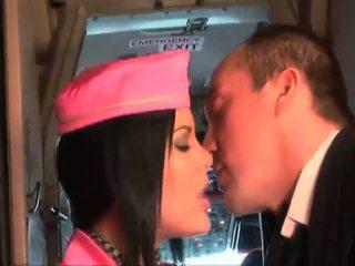 Bigcock pilot pieprzyć jego najlepsze stewardessa aboard