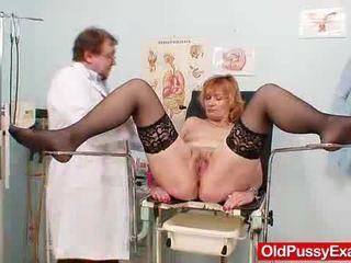 Scarlet tête gran gash yawning à gyno clinic