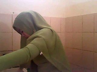 تجسس gagal jilbab hijau