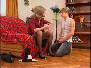 Російська матуся dominates молодий guy