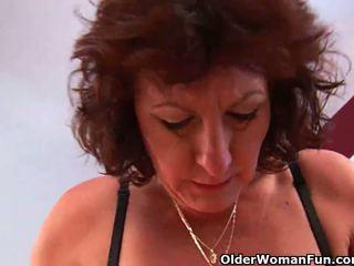Kan ik sperma op uw gezicht grootmoeder?