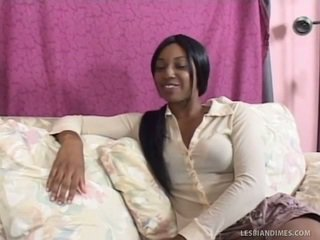 Ebony Gay Women Having Fun Their Huge Strap On