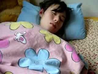 Duke fjetur bashkëshorte me lesh pidh gets fingered video