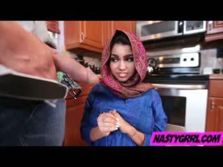 Hijab wearing muslim ado ada creampied par son nouveau maître