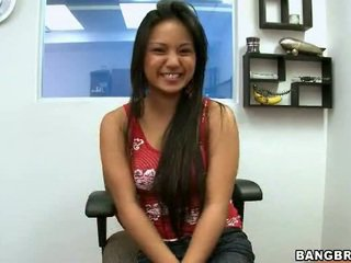 Amazing Filipino Lana Violet Has Her O...