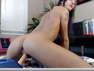 Florida meitene fucks dildo - porno video 531