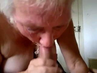 Abuelita chupar joven polla y llegar corrida en boca