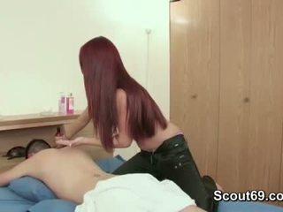 Step-sister sedução irmão para caralho dela com massagem