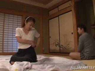 Ayano murasaki has unforgettably निर्मित प्यार till going को सोफा