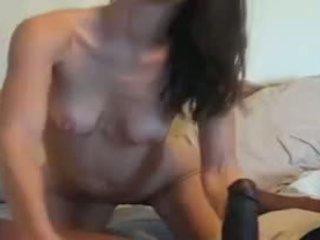 Szczupłe mamuśka vs ogromny czarne kutas wideo