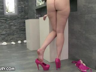 äta hennes fötter, fotfetisch, sexiga ben