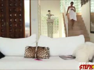 Reusachtig boezem ada sanchez shares lul naar stiefmoeder diamond kitty