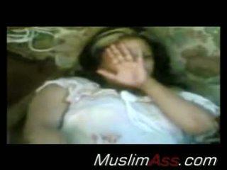 Arab הזונה flashes שלה כוס
