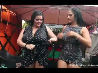 Angelina castro och miss raquel fittor spela i den regn!