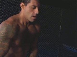 Een bela e o prisioneiro (2004)