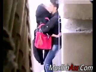 Hijab בחוץ סקס 2