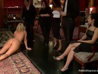 Slutty seks hamba receives yang awam punishment