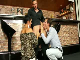 Stud and slut compare their own oral skills at the bar