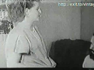 1927 ginintuan ang buhok maybahay may a visitor