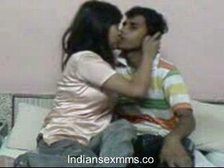 Indiyano lovers masidhi pagtatalik scandal sa dormitoryo room leaked