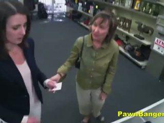 ง่าย ลูกค้า takes ควย ใน เธอ ขนดก สำส่อน สำหรับ dollars