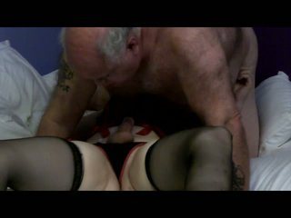 Rondborstig blondine tranny mutual seks met guy
