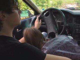 18yo latviškas mergaitė pakliuvom apie the mašina