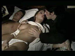 Maravilhosa miúda being assaulted em cama vídeo
